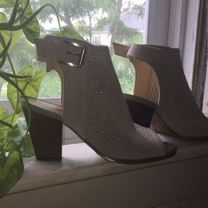 Brand new Sam Edelman peep toe booties